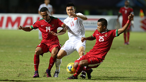 Van Quyet tao loi the cho DT Viet Nam truoc Indonesia tai AFF Cup hinh anh