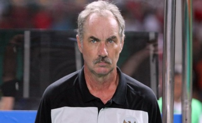 DT Viet Nam gap lai thay cu Alfred Riedl tai AFF CUP 2016 hinh anh