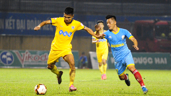 FLC Thanh Hoa nuoi hy vong trong cuoc dua vo dich V.League 2017 hinh anh