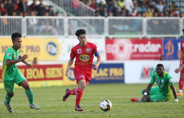 Truoc vong 6 V.League FLC Thanh Hoa mat ngoi dau, Cong Phuong se lap hat-trick hinh anh 2