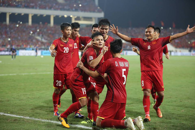 Pha dop o My Dinh, DT Viet Nam hien ngang vao chung ket AFF Cup 2018 hinh anh