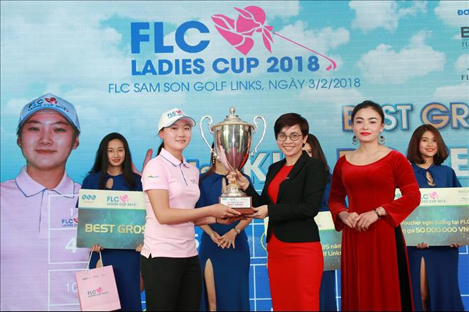 Golfer 17 tuoi nguoi Han Quoc vo dich giai FLC Ladies Cup 2018 hinh anh 2