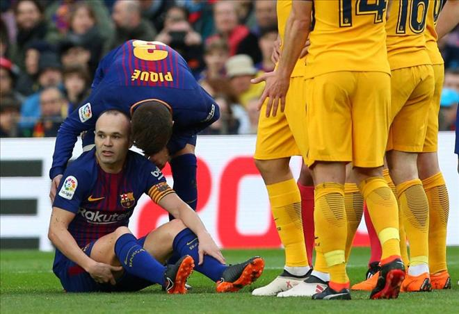 Iniesta co the nghi 1 thang, kho tai chien Chelsea hinh anh