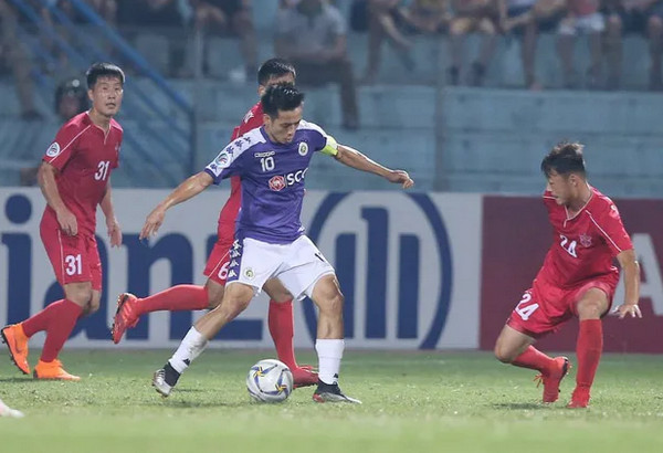 Ha Noi FC va B.Binh Duong nam uu the o Ban ket Cup quoc gia hinh anh