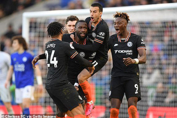 Leicester 2-2 Chelsea: Nguy to cho The Blues