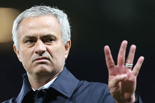 <b style='background-color:Yellow'>Mourinho</b>: